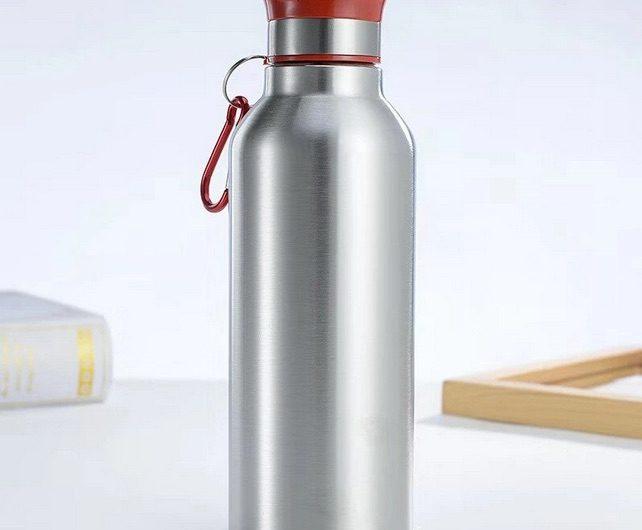 Les avantages d'une bouteille d'eau en inox