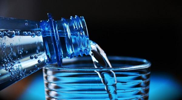 Les bouteilles d'eau en plastique : quels sont les dangers par rapport à la santé ?